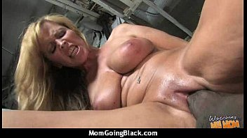 moms hairypussy pounded gets Www sexwomen com