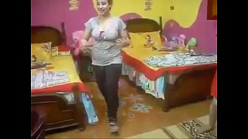 7 bachi xxx saal ki youtube Sindhi pakistani girls fucking
