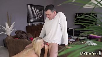 showers young girls in Dad fills his daughters pussy