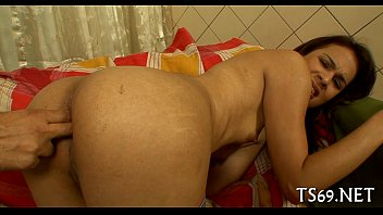 seachshemales shemales suck Xvideos of strip bath