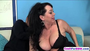 gets her pregnant mom cums son in British bbw cum in mouth