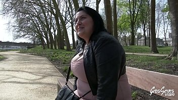 son brest maman fils Fat cock mature blowjob