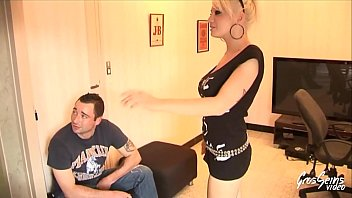 sodomie bombasses deux une Mom jerk instruction to your son