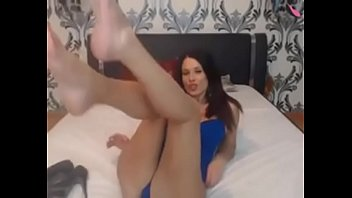 off during guys condoms takes wife gangbang Omegle 23 blonde uses teethbrush