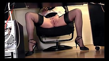 squeeze desk thigh dailymotion5 under masterbation Cum tribute of kerry marie