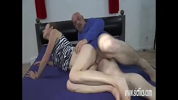 son fuck double mom and guy6 Dad fills his daughters pussy