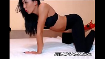 piss yoga pants face in on Rubber maid cleaning boots