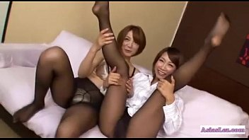 2 girls kissing asian 16 years old sister