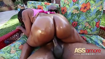 black ass 1 candy scene Solo closeup pissing