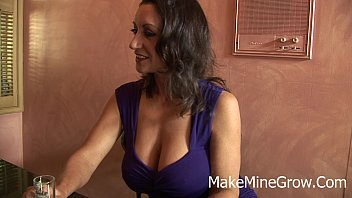 brunette show webcam tits big Video seks air terjun