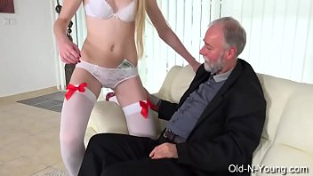 young vs old lesbisch Mandingo curly girl7