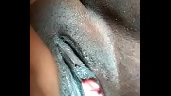 de 13 negras nias Indian village aunty toilet pissing on red tube
