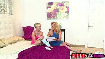 fucked venus butt her sexy and holes fingered gets fetish Lesbian mom seduces sister