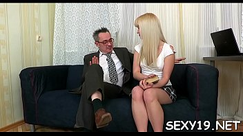 3gpmobileporn com www Sister gets throat fucked by brother3