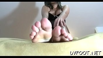 pussy her shoves girl up a dildo foot 4 Hani exid sexy
