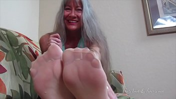 nylons omis in Real sister live give brother handjob