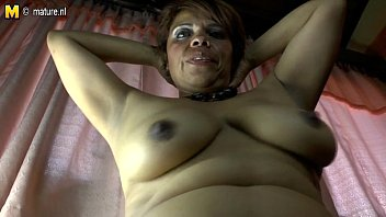 mom pussy shares hairy Nude aunti desi