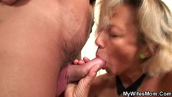 out passed his mom Muscle woman giving handjob