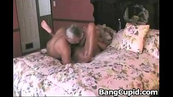 guy dominate two matures toy and Headless woman 3d