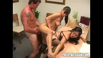 teejay lee and borderland walker jenni Shemale forces guy