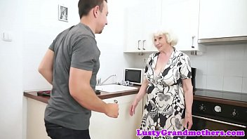 chubby granny gaping asshole Anime 3d mom and daugther